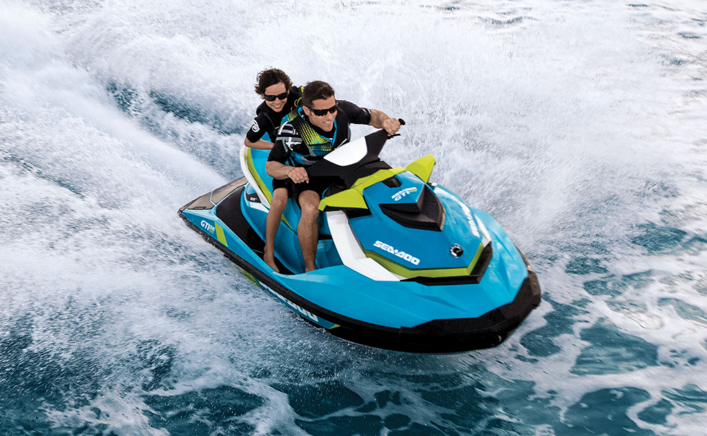 2014-Sea-Doo-GTI-SE-130-Action-04