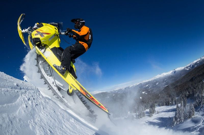 2015_Ski-Doo_Summit_X174 (2)