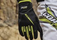 Can-Am представляет новую линейку перчаток для мотовездеходов