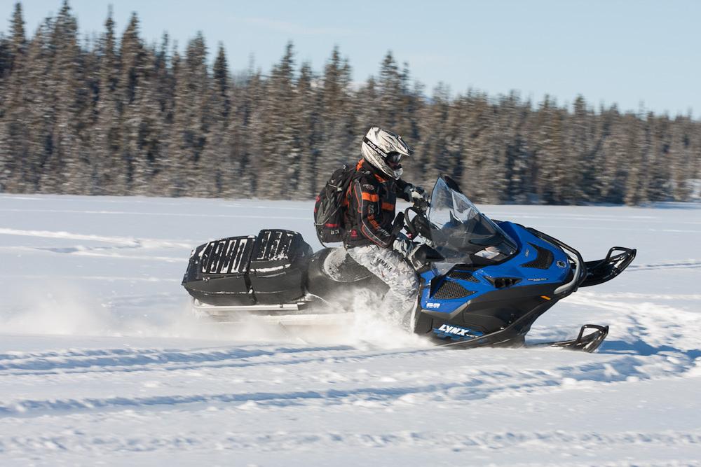 Управление снегоходом