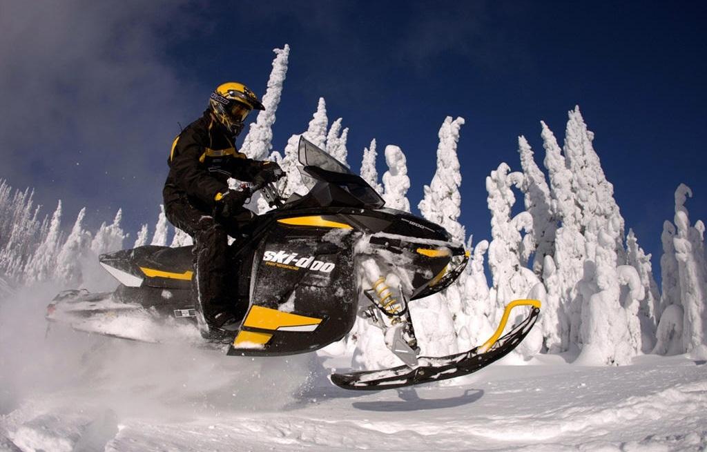 Официальная продажа снегоходов в России