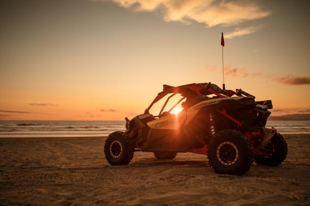 Maverick-X3-Xrs-TURBO-R-Gold-and-Can-Am-Red-Beach-2