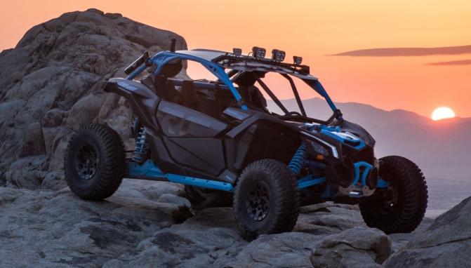 2018-Can-Am-Maverick-X3-X-rc-Turbo-Action-2